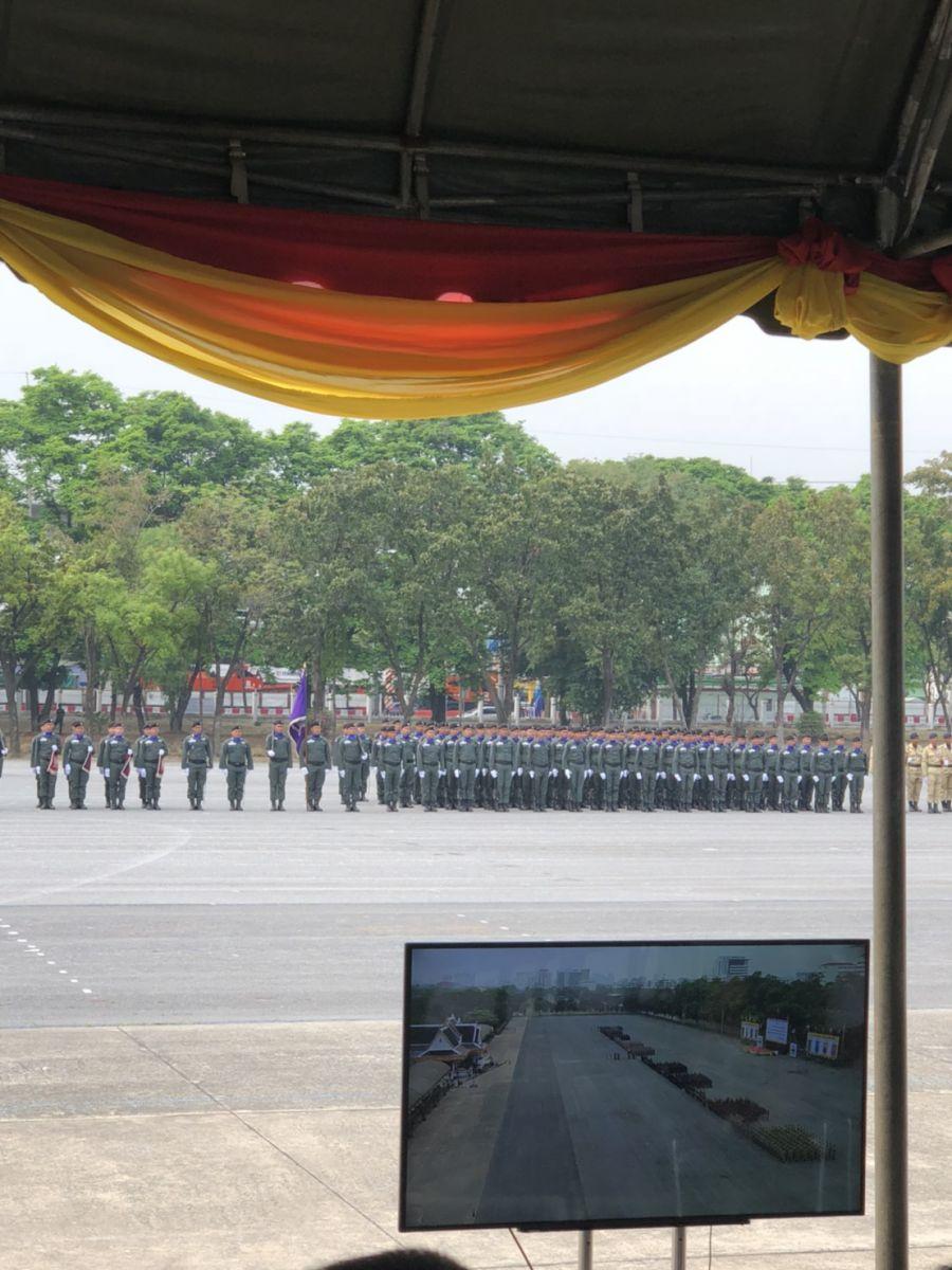ร่วมพิธีสวนสนามวันทหารผ่านศึก